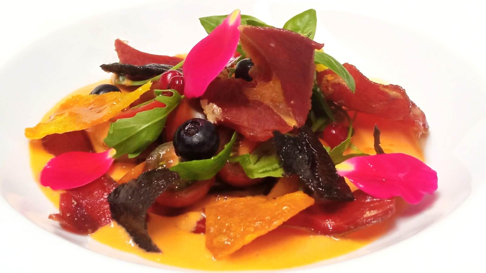 Ensalada de cítricos con tomates Cherry - Comer en Matarraña